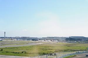羽田空港側客室からの景色