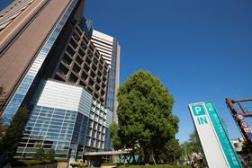 国立がん研究センター(当ホテルから徒歩約5分)