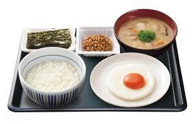 目玉焼き納豆朝定食
